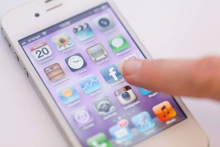 iphoneの充電は気をつけましょう!