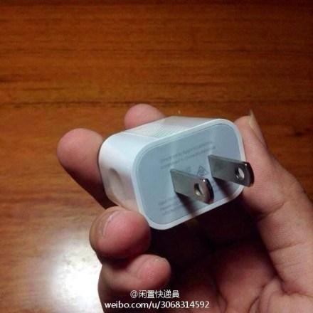 形状がかわるiphone6電源アダプター2