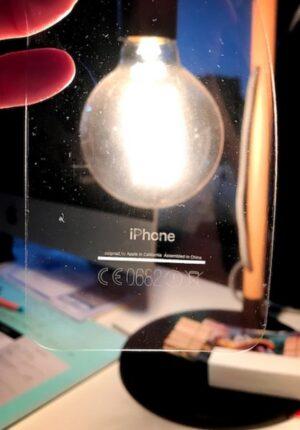 iphone7の背面が転写された画像